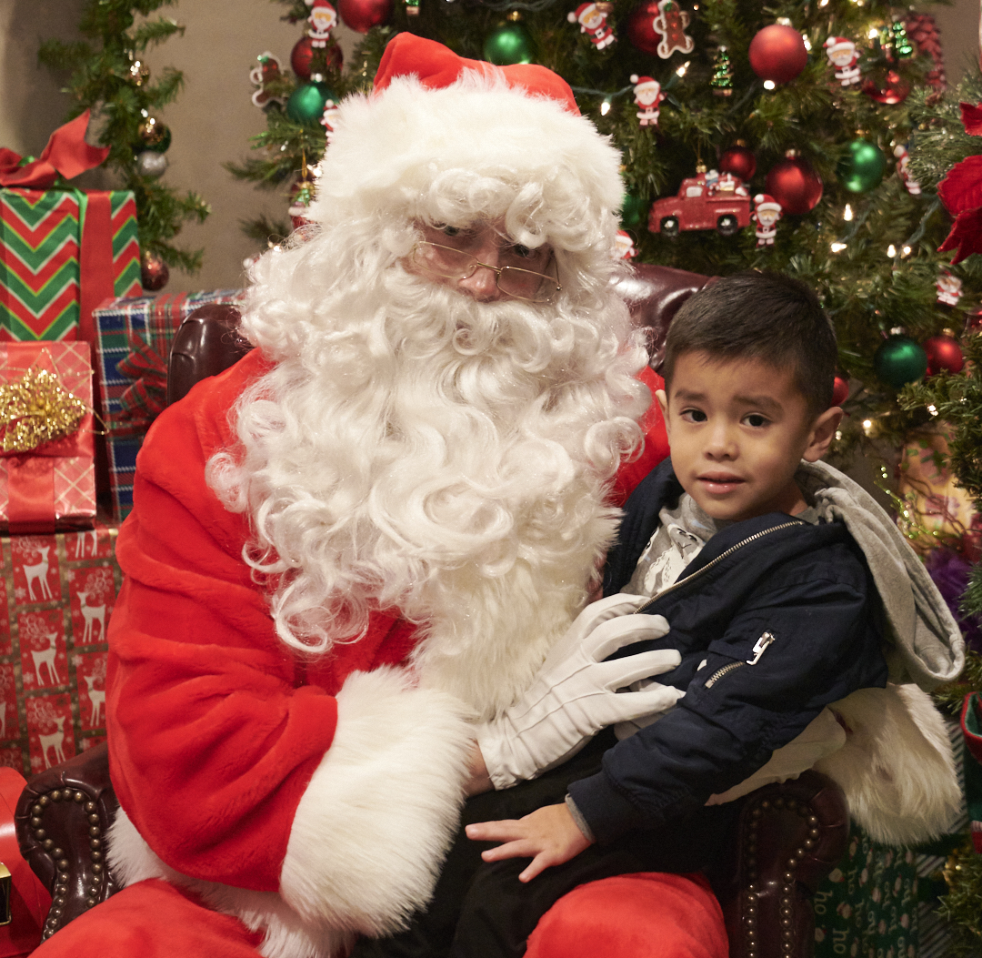 Toluca Lake Chamber Santa Fotos 103